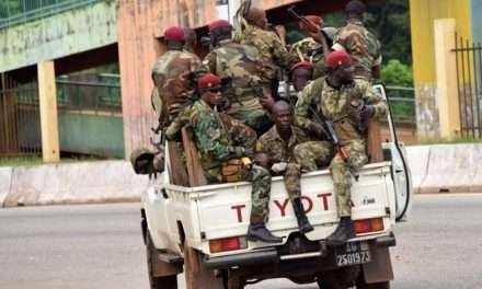 Guinea: Colpo di stato militare. Il Presidente Condè destituito, coprifuoco e blocco delle frontiere
